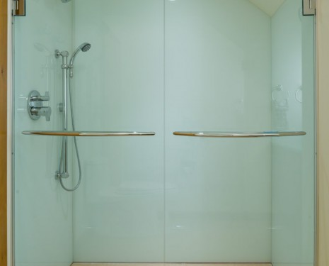 E4 Solid Glass Shower 02