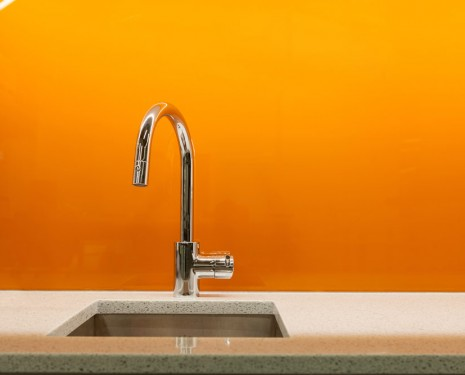 E4 – Solid Glass Backsplash – Orange
