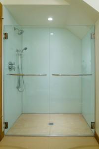 e4-solid-glass-shower-02